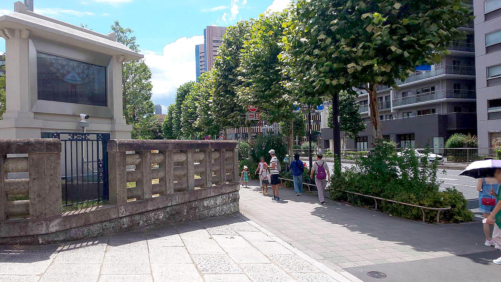 築地本願寺入口前